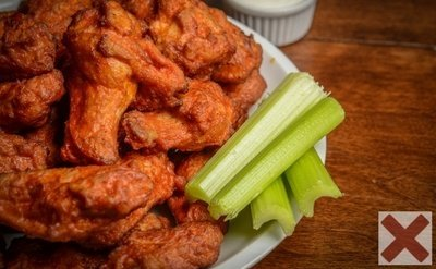Buffalo Hot Wings - The Worst Bedtime Foods for Weight Loss